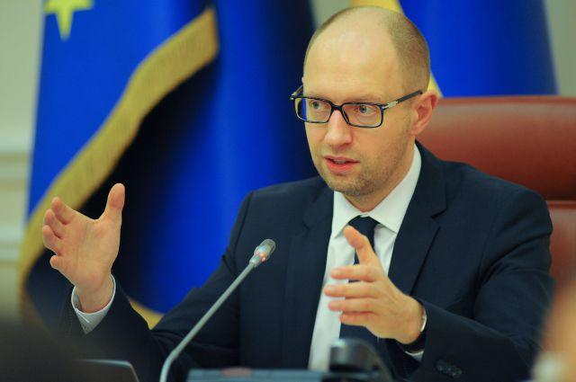 Яценюк поздравил работников ЖКХ с профессиональным праздником