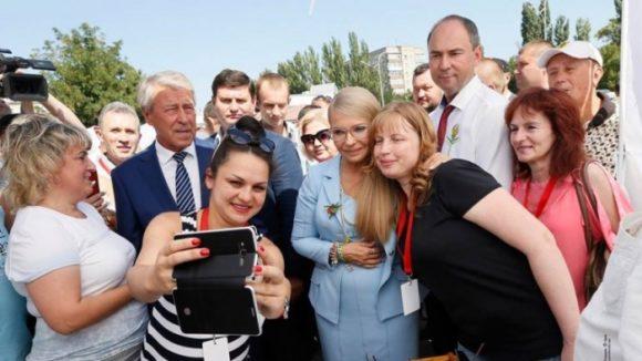Юлия Тимошенко пиарится на успехе группы Kazka