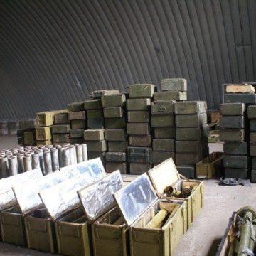 С военных складов Украины 20 лет воровали детали для техники и отправляли их в Россию