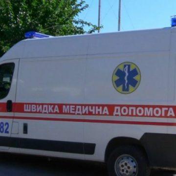 Таскал за волосы: в Киеве пьяный мужчина набросился на женщину-врача