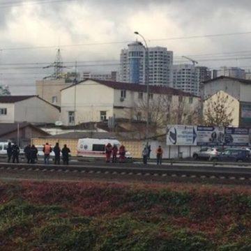 В Киеве поезд сбил насмерть мужчину: от удара тело отбросило на 50 метров