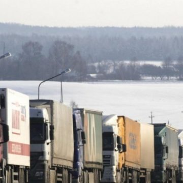Перевозчики на грани бунта: в Украине искусственно заблокировали импорт и экспорт с ЕС
