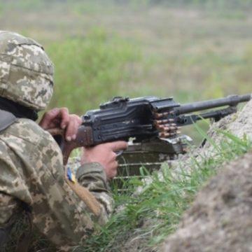 Война на Донбассе: террористы били из минометов, ранены двое военных ВСУ