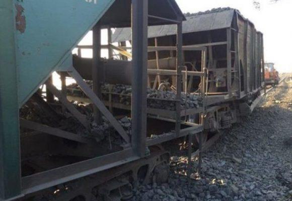 В Кривом Роге столкнулись два локомотива: есть погибшие