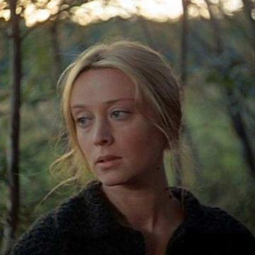 Звезда советского кино и красавица умирает в нищете, прикованная к постели