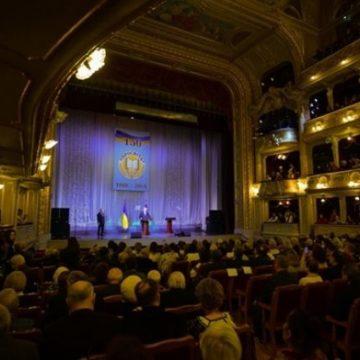 Порошенко присвоил звание Народного артиста Украины известному музыканту