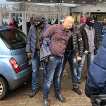 В Харькове полицейский предлагал за деньги «крышу» бизнесмену