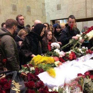 «Мои слезы, моя печаль»: как прошло прощание с Децлом в Москве