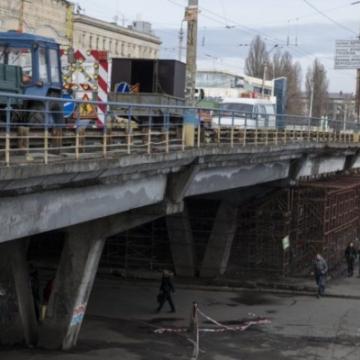 «Я волнуюсь» : Шулявский мост ожил и пожаловался на жизнь в Instagram ФОТО