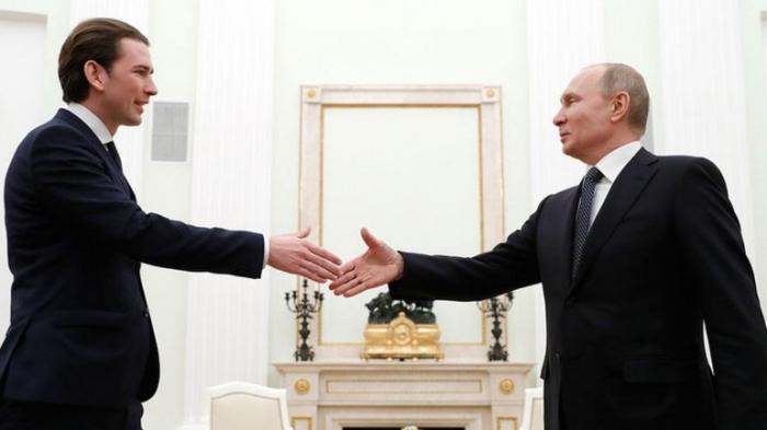 Австрийское правительство покарали за дружбу с Путиным
