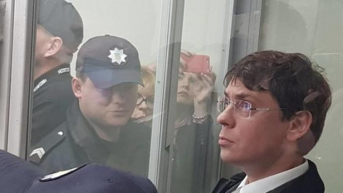САП открыла дело против Порошенко по заявлению экс-нардепа Крючкова