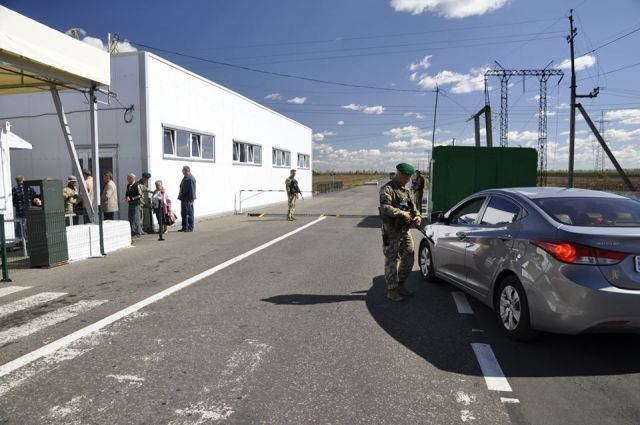 «Ехал по пенсию»: на КПВВ в Луганской области умер мужчина