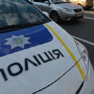 В Киеве голый наркоман избил ворованной коляской пенсионера и ребенка