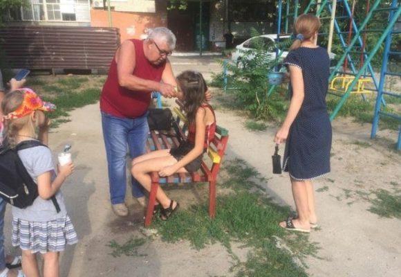 В центре Николаева пришлось «откачивать» пьяную 13-летнюю девочку