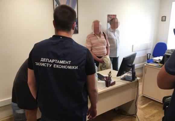 Главного налогового ревизора задержали на взятке в Киеве