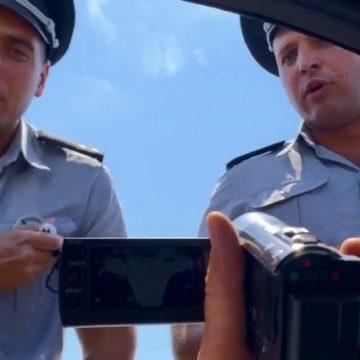 Полицейских, нахамивших водителю в Кирилловке, отстранили от работы